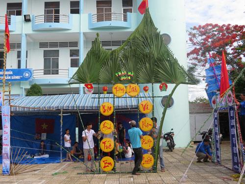 Cổng trại bằng lá dừa 03