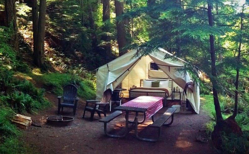 cắm trại là gì