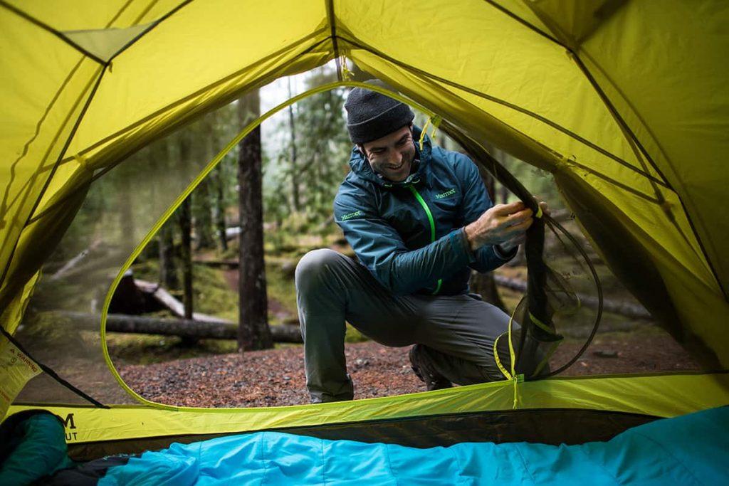 Sử dụng lều cắm trại