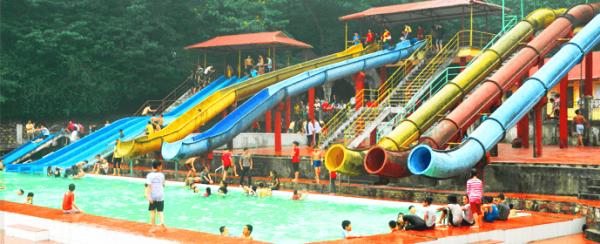 Vui chơi tại hồ Tiên Sa